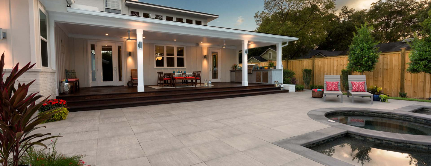 Cover of Beautiful home in Florida featuring Atlas Concorde's porcelain pavers in Mark Chrome