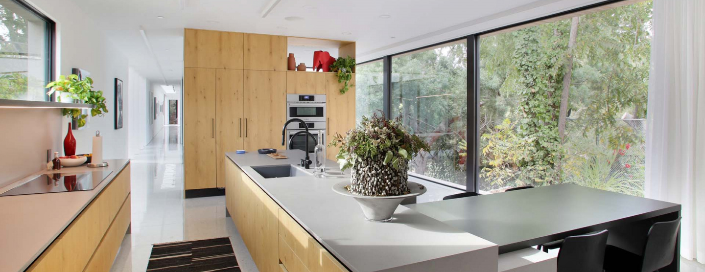 Cover kitchen image of Bridge House in LA featuring Marvel Gems Terrazzo by Atlas Concorde